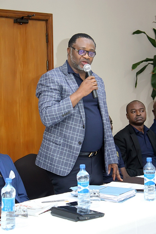 The Managing Partner addressing the Firm during one of the deliberation session